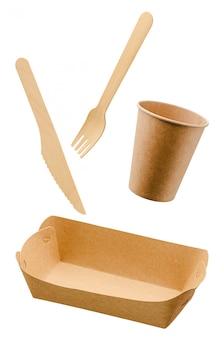 廃棄物ゼロ、環境に優しい、白で隔離される使い捨て紙食器。