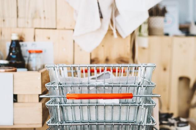 제로 폐기물 식품 쇼핑 제품 구매 및 보관을 위한 식료품용 금속 바구니