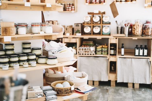 Магазин с нулевыми отходами детали интерьера экологичные покупки в местных малых предприятиях