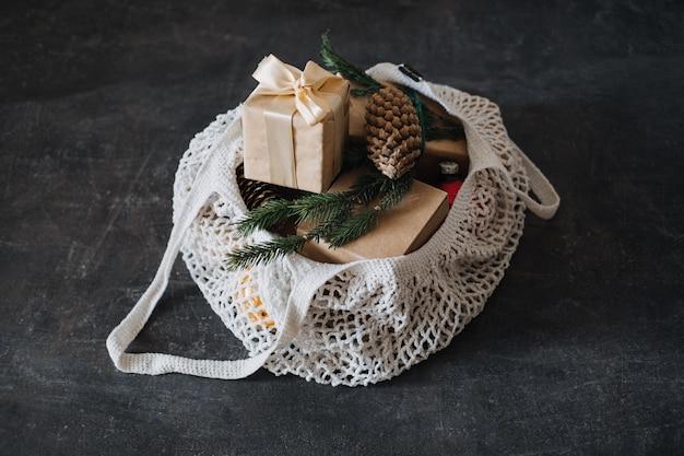 ゼロウェイスト持続可能なグリーン環境にやさしいクリスマス環境にやさしいメッシュネットショッピングバッグとクラフト