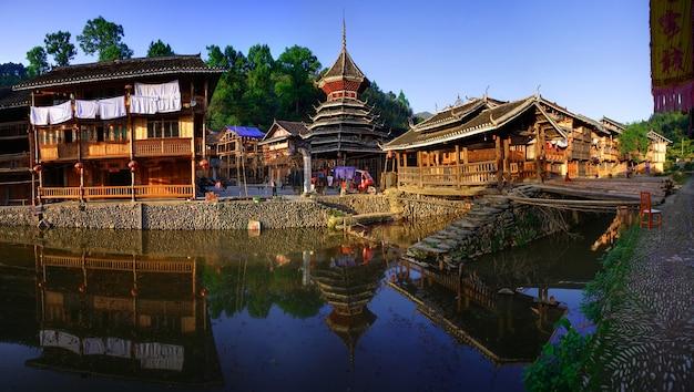 中国南西部の南東貴州ミャオとドン国籍自治州の肇興東村。