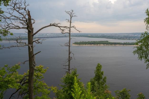 The zhiguli hydroelectric station or zhigulyovskaya hydroelectric station formerly known as kuybyshev hydroelectric station. volga river. samarskaya luka.