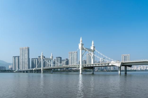 珠海市の風景と海岸線白石橋の風景