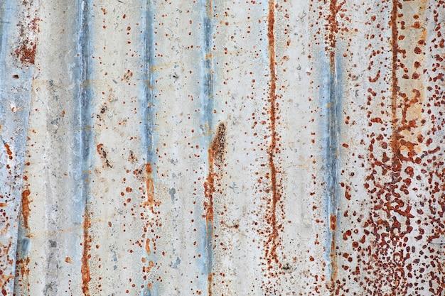Zinc rust striped pattern