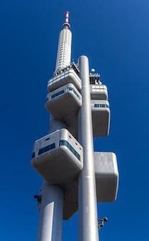 プラハのジシュコフテレビ塔
