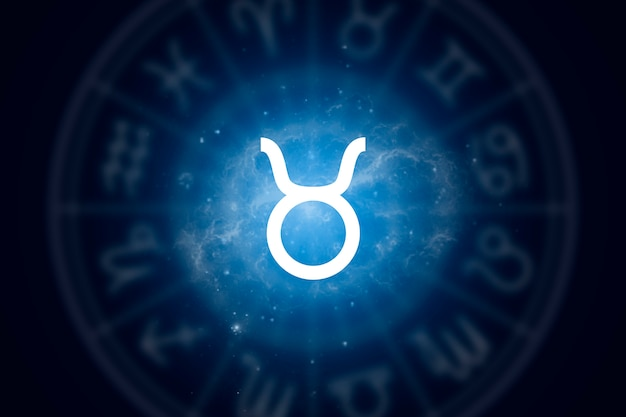 Знак зодиака телец на фоне звездного неба