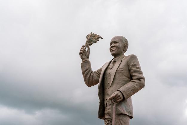 Военный мемориал африканских винтовок короля в zomba малави.