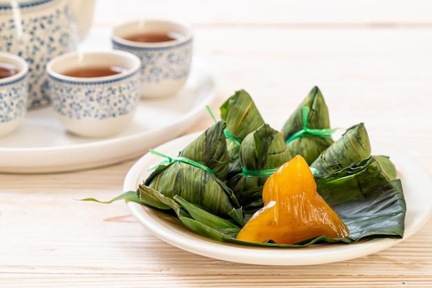 Zongziまたは伝統的な中国のもち米餃子
