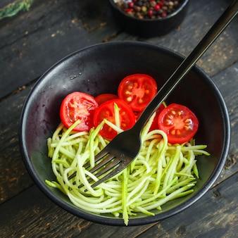 Салат из кабачков и томатов