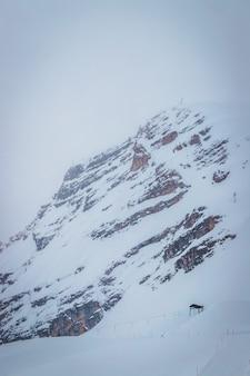 Цугшпитце является самой высокой вершиной гор веттерштайн и самой высокой горой в германии.