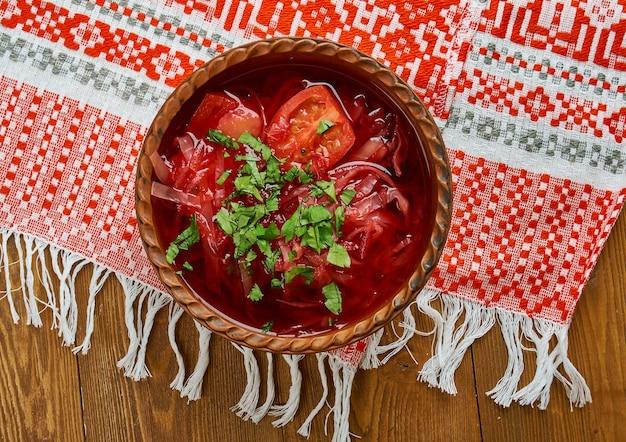 Zupa buraczkowa - классический польский суп со свеклой, крупный план