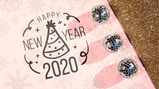 新年2020年のパーティーハットで図面を落書き