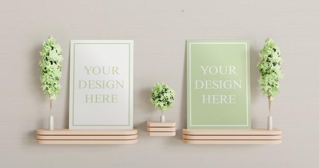 木製の壁の机の上に立っている2つのキャンバスのモックアップ