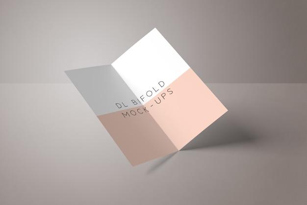 オープンパンフレット2つ折りモックアップ