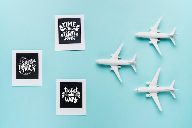 3つの飛行機のおもちゃで旅行する時間