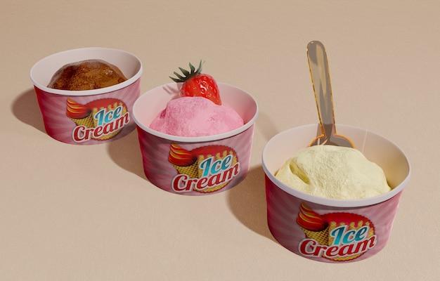 3つの異なる風味のアイスクリームコンテナーの高角度