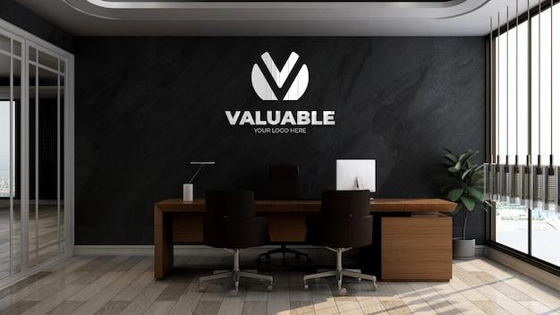 검은색 벽이 있는 사무실 비즈니스 관리자 룸의 3d 실제 회사 로고 모형