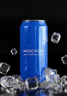 アイスキューブのモックアップで飲み物缶の3dレンダリング