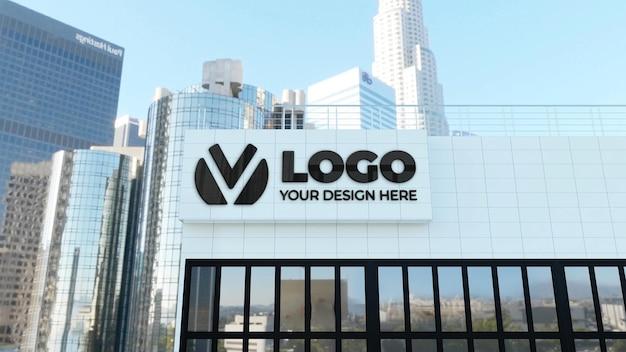 흰색 회사 건물에 3d 기호 로고 모형