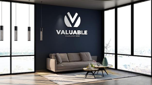 3d-макет логотипа компании на стене в вестибюле офиса с темно-синей стеной