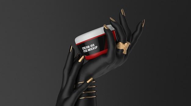 Косметическая банка с кремом на черной руке 3d визуализации макет