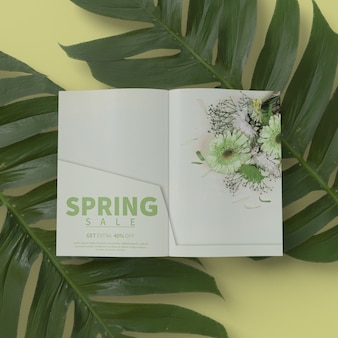 3d листва с весенней картой на макете стола