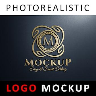 ロゴモックアップ - 壁に3dゴールデンロゴ