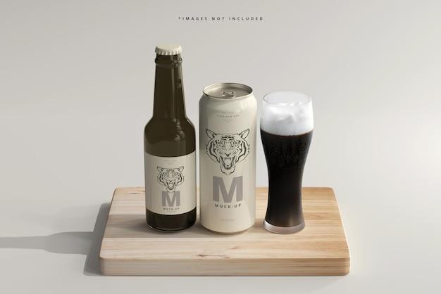 ボトルモックアップ付き500mlのなめらかなソーダまたはビール缶