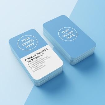 Готовая к использованию визитная карточка 90x50 мм с двумя стопками портретных визиток и закругленными углами макет печатных шаблонов в верхней перспективе