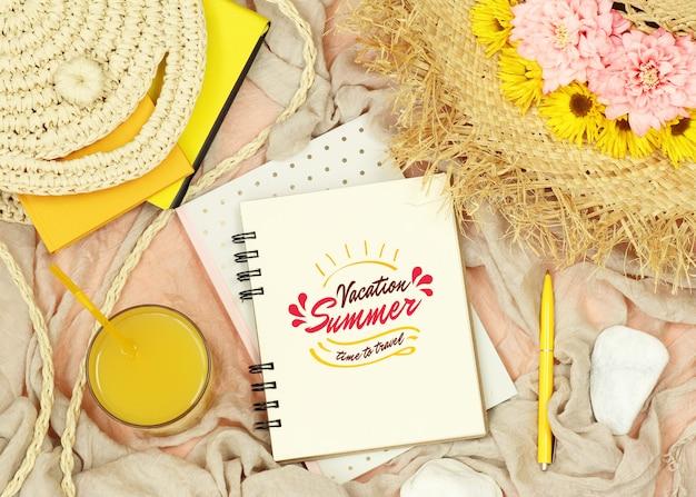 夏の要素を持つフラットレイアウトモックアップノート