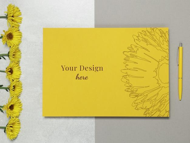 Макетное письмо с цветами и ручкой