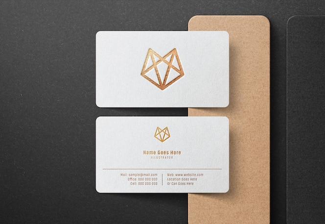 Роскошный логотип макет на белой визитке