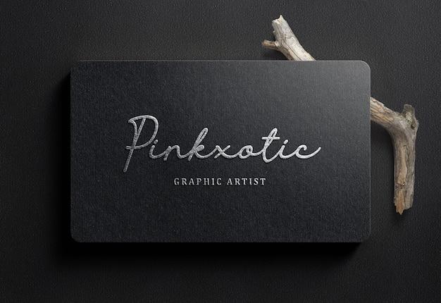 黒のビジネスカードの高級ロゴモックアップ