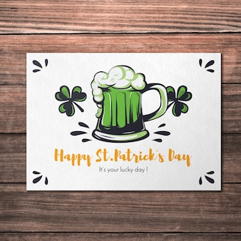 Макет поздравительной открытки с пивом для дня святого патрика
