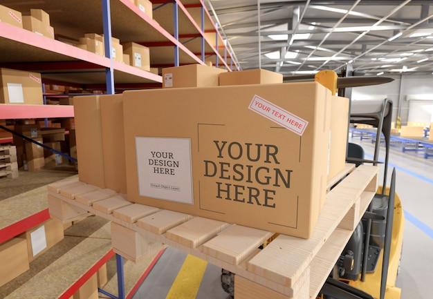 倉庫の段ボール箱のモックアップのビュー