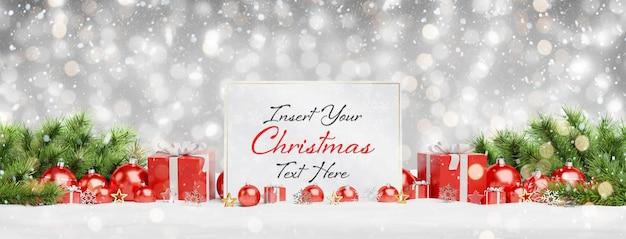 Рождественская открытка макет с падающим снегом и шарами