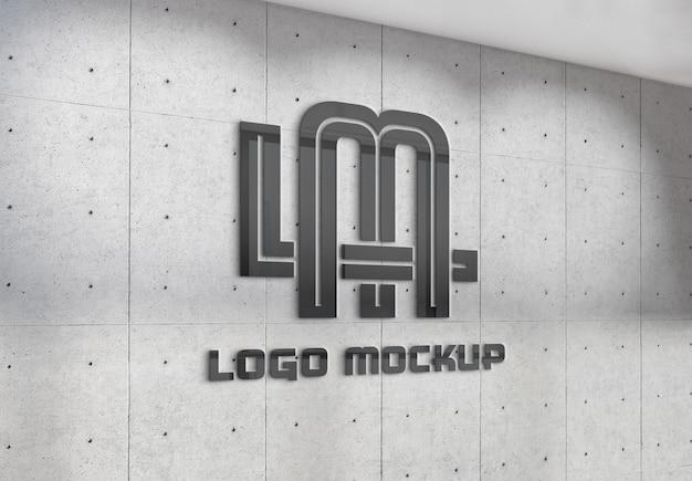 Отражение логотипа на стене офиса макет