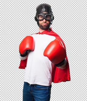 ボクシンググローブを身に着けているスーパーヒーロー