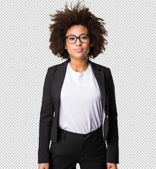Деловая черная женщина, стоящая