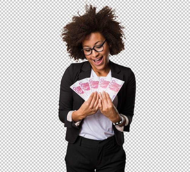 Бизнес черная женщина, держащая счета