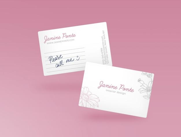 ピンクのビジネスカードモックアップ