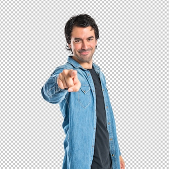 白い背景の上に正面を指している男