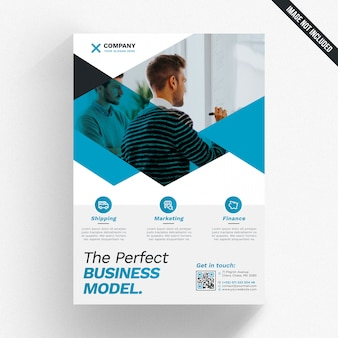 幾何学的ビジネスパンフレットのモックアップ