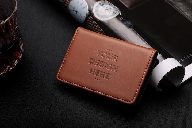 茶色の革財布モックアップ