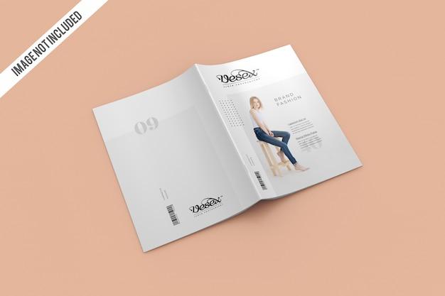 雑誌の表紙と裏表紙のモックアップ