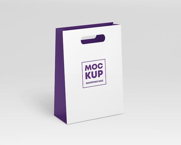 紙の買い物袋のモックアップ