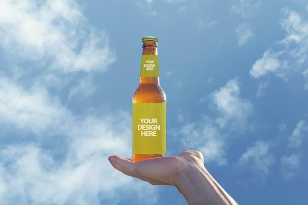 空のモックアップでビール