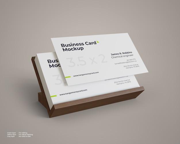 Макет визитки с деревянной подставкой