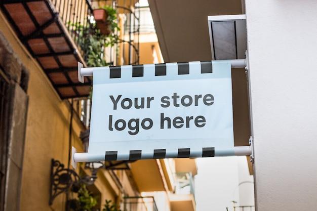 店の外のモックアップサイン