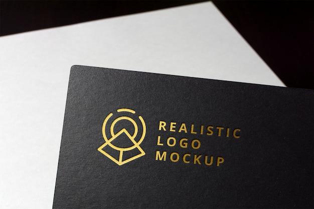 現実的なロゴのモックアップ